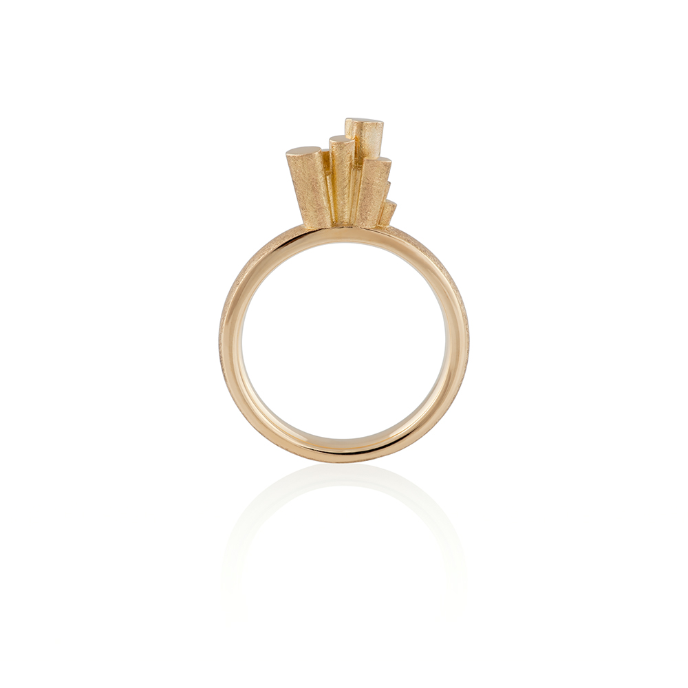PRAGMA 820 eur (VAT incl) Yellow gold 18K