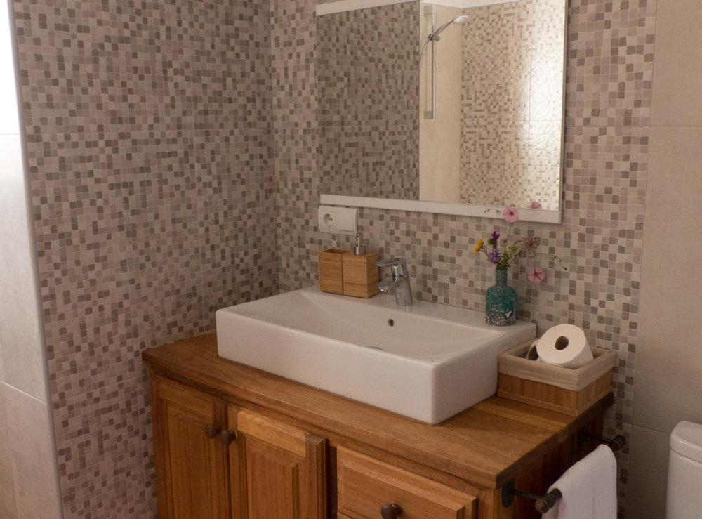 HolyMama bathroom
