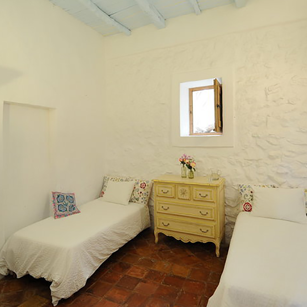 8. Bedroom shared villa.jpg