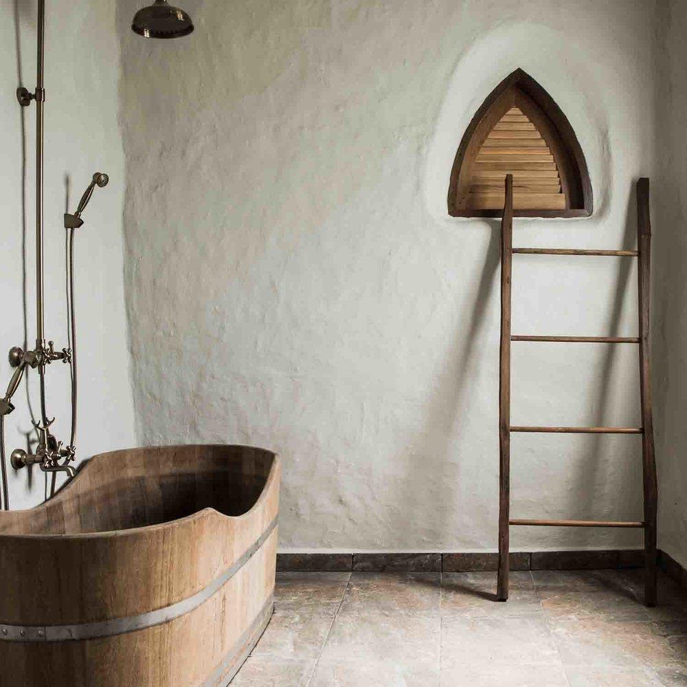 12.bathroom.jpg
