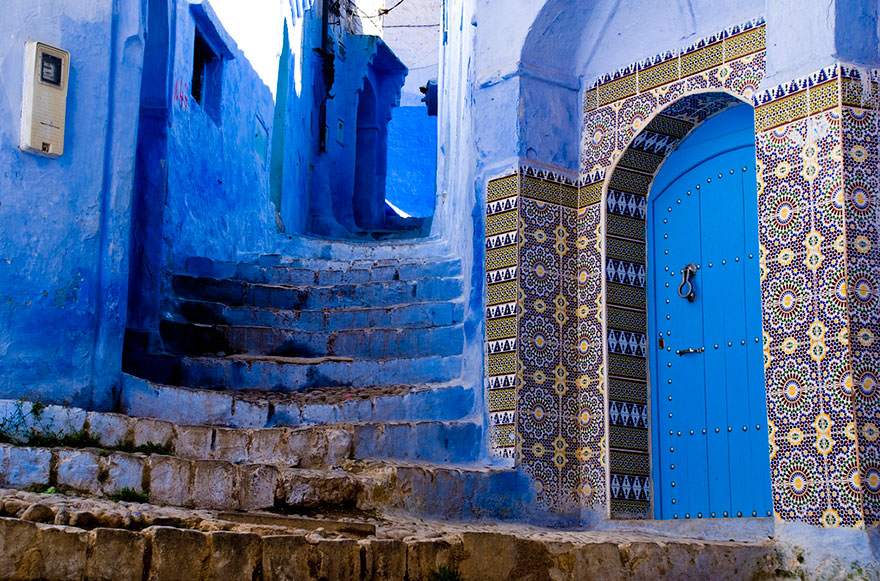 blue-streets-of-chefchaouen-morocco-11.jpg