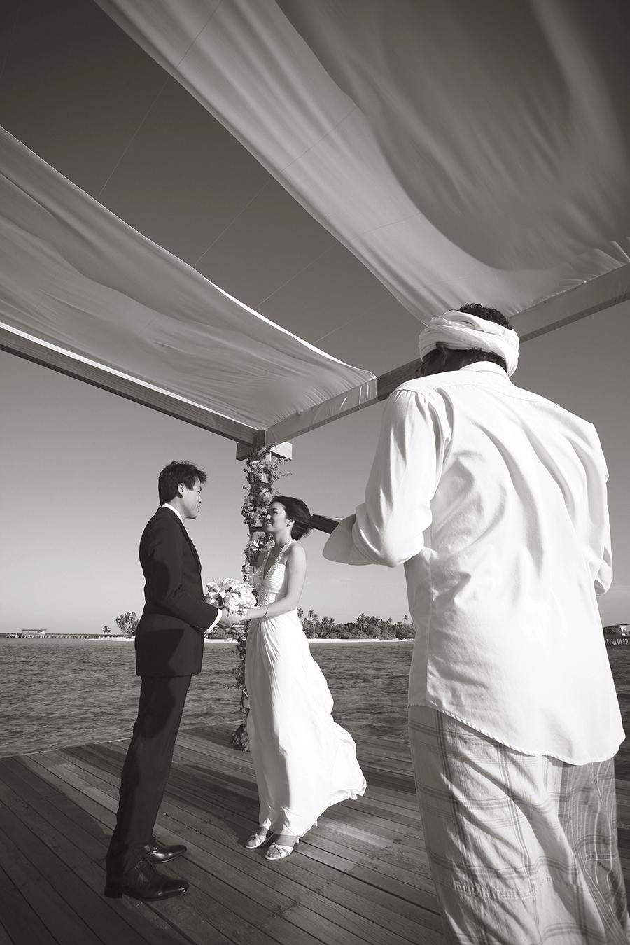 maldives . mauritius . tahiti . wedding photography by kurt ahs . 5393.jpg