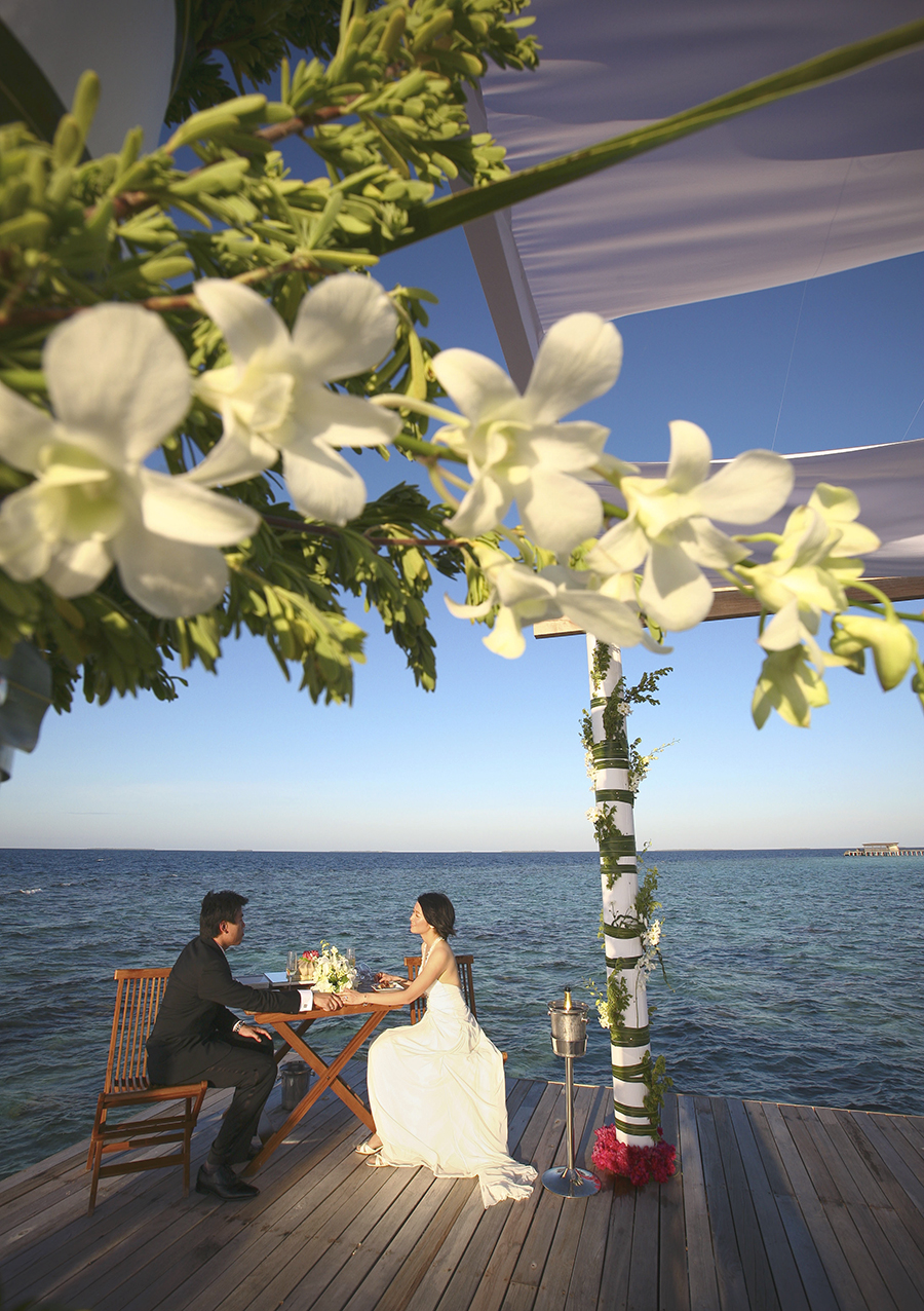 maldives . mauritius . tahiti . wedding photography by kurt ahs . 5412.jpg