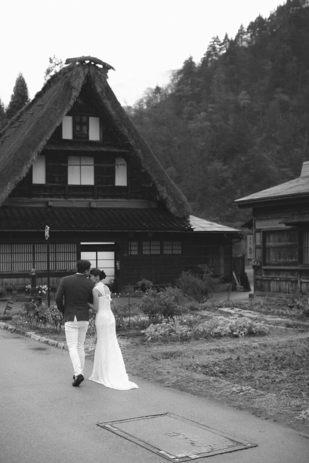 shirakawago japan . pre-wedding photography by kurt ahs . terry+zoey . 4268.jpg