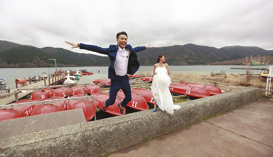 tokyo hakone japan spring sakura . engagement wedding photography by kurt ahs . ns + eu . 0365.jpg