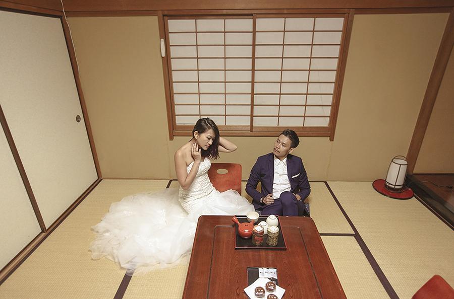 tokyo hakone japan spring sakura . engagement wedding photography by kurt ahs . ns + eu . 0387.jpg
