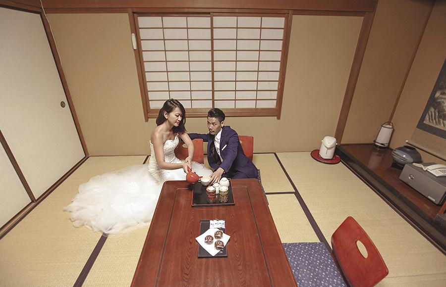 tokyo hakone japan spring sakura . engagement wedding photography by kurt ahs . ns + eu . 0391.jpg