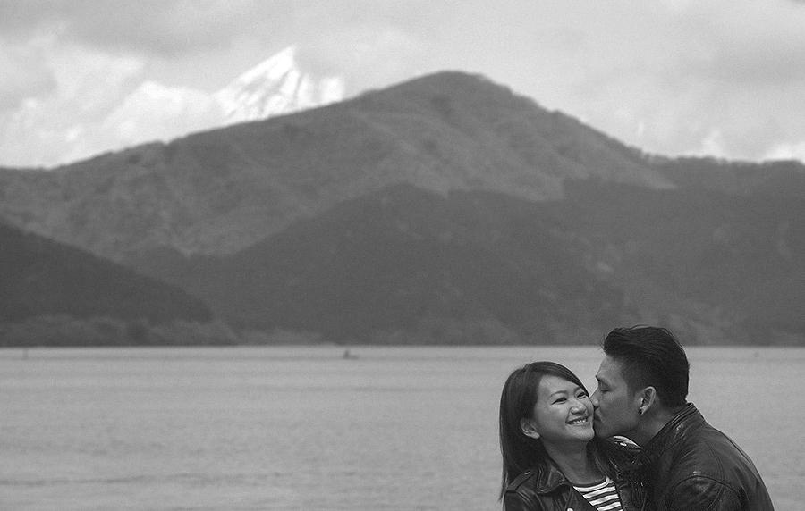 tokyo hakone japan spring sakura . engagement wedding photography by kurt ahs . ns + eu . 0393.jpg