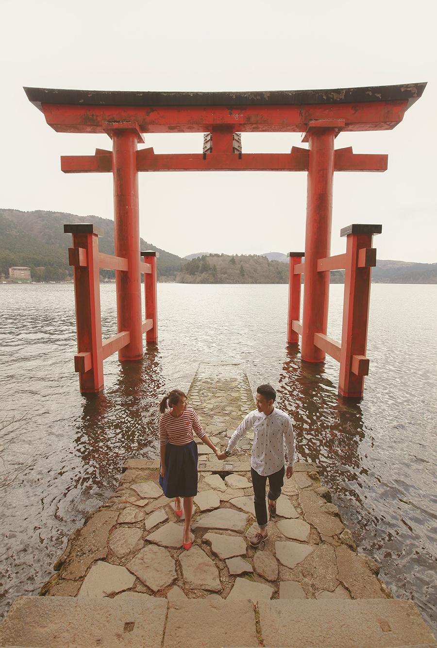 tokyo hakone japan spring sakura . engagement wedding photography by kurt ahs . ns + eu . 0397.jpg
