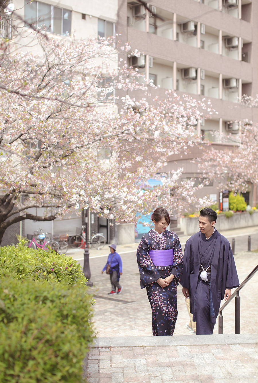 tokyo hakone japan spring sakura . engagement wedding photography by kurt ahs . ns + eu . 0410.jpg