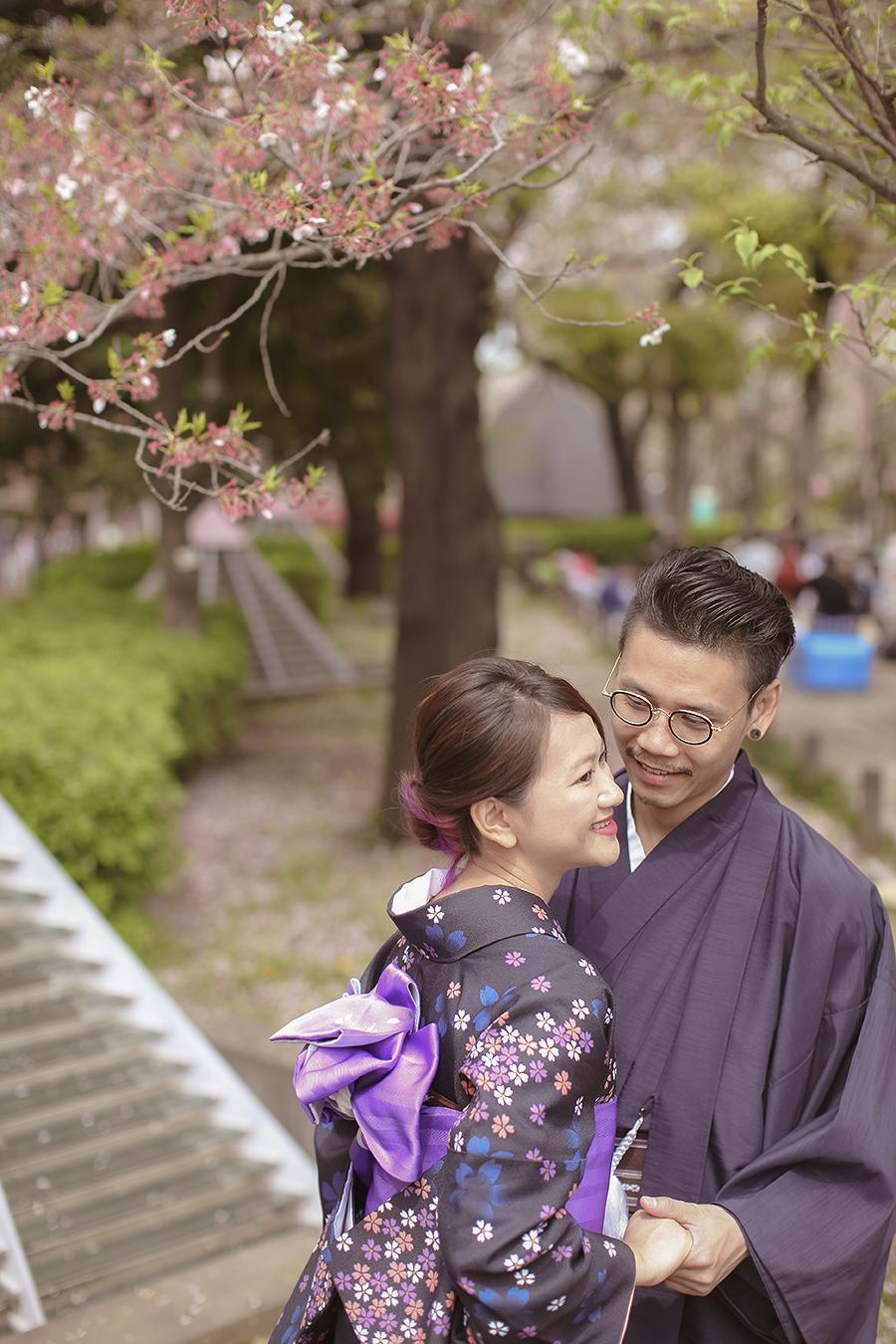 tokyo hakone japan spring sakura . engagement wedding photography by kurt ahs . ns + eu . 0415.jpg