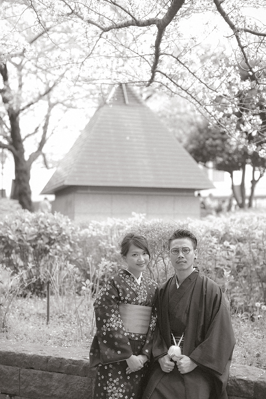 tokyo hakone japan spring sakura . engagement wedding photography by kurt ahs . ns + eu . 0416.jpg