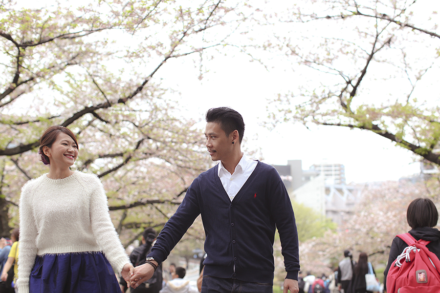tokyo hakone japan spring sakura . engagement wedding photography by kurt ahs . ns + eu . 0419.jpg