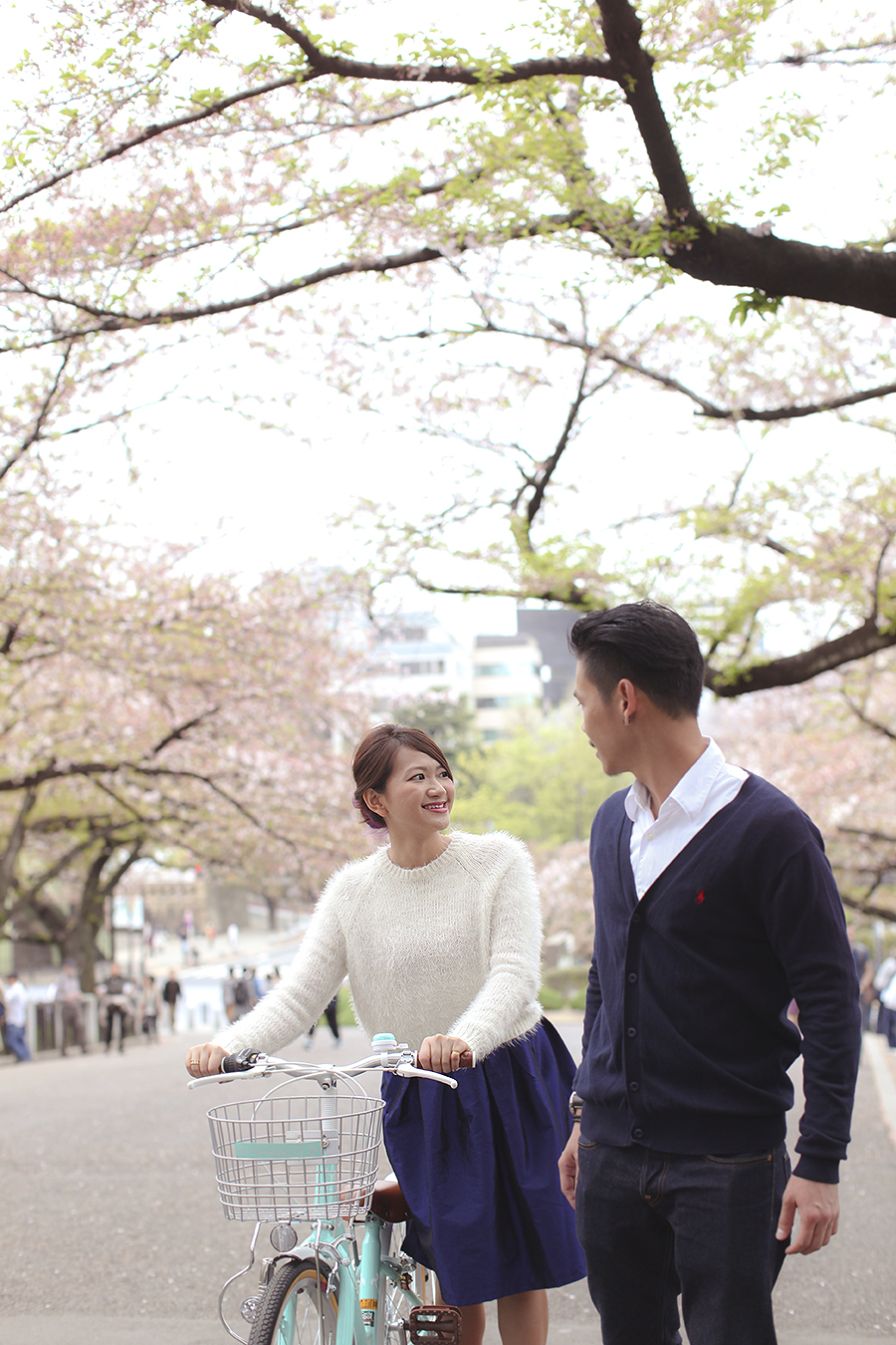 tokyo hakone japan spring sakura . engagement wedding photography by kurt ahs . ns + eu . 0421.jpg