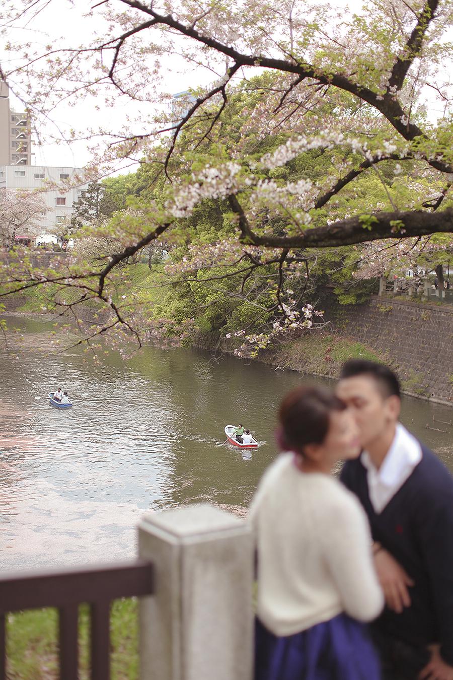 tokyo hakone japan spring sakura . engagement wedding photography by kurt ahs . ns + eu . 0423.jpg