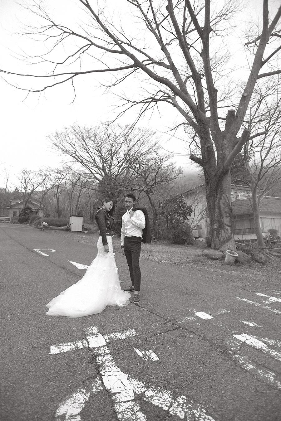tokyo hakone japan spring sakura . engagement wedding photography by kurt ahs . ns + eu . 0385.jpg