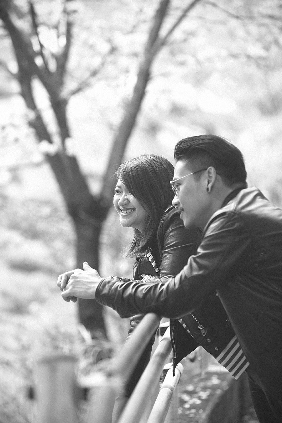 tokyo hakone japan spring sakura . engagement wedding photography by kurt ahs . ns + eu . 03641.jpg