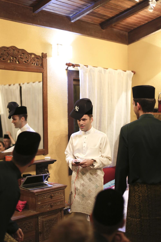 malaysia traditional malay wedding . the akad nikah of putera bruno araujo + puteri elfarezza . photography by kurt ahs ( perhapslifemoments ) . 7181.jpg