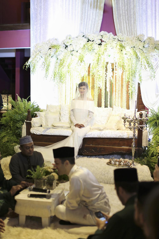 malaysia traditional malay wedding . the akad nikah of putera bruno araujo + puteri elfarezza . photography by kurt ahs ( perhapslifemoments ) . 7187.jpg