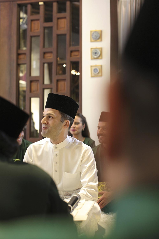 malaysia traditional malay wedding . the akad nikah of putera bruno araujo + puteri elfarezza . photography by kurt ahs ( perhapslifemoments ) . 7188.jpg