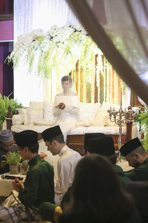 malaysia traditional malay wedding . the akad nikah of putera bruno araujo + puteri elfarezza . photography by kurt ahs ( perhapslifemoments ) . 7194.jpg
