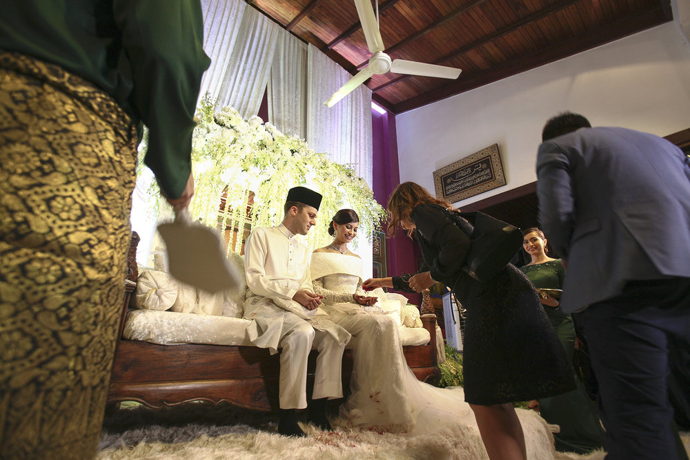 malaysia traditional malay wedding . the akad nikah of putera bruno araujo + puteri elfarezza . photography by kurt ahs ( perhapslifemoments ) . 7208.jpg