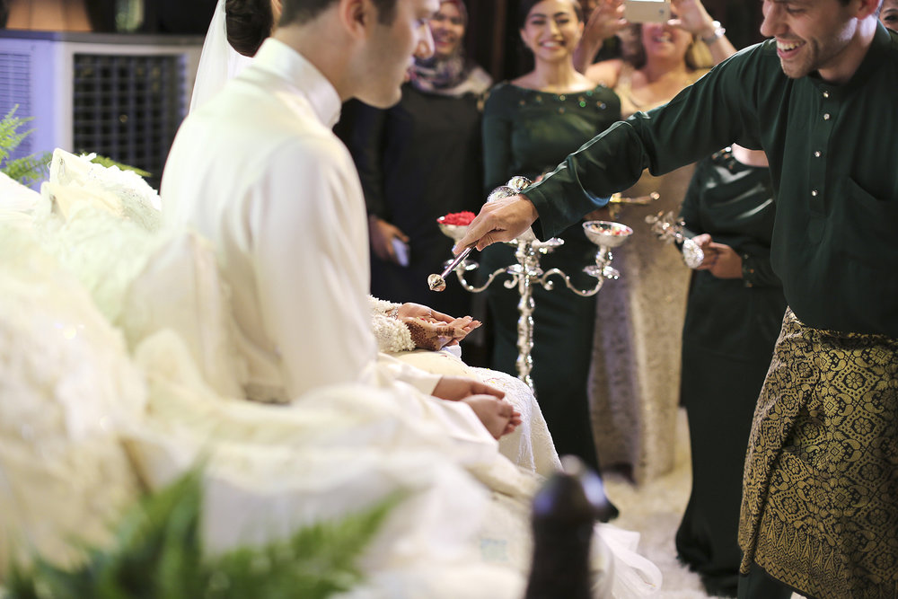 malaysia traditional malay wedding . the akad nikah of putera bruno araujo + puteri elfarezza . photography by kurt ahs ( perhapslifemoments ) . 7206.jpg