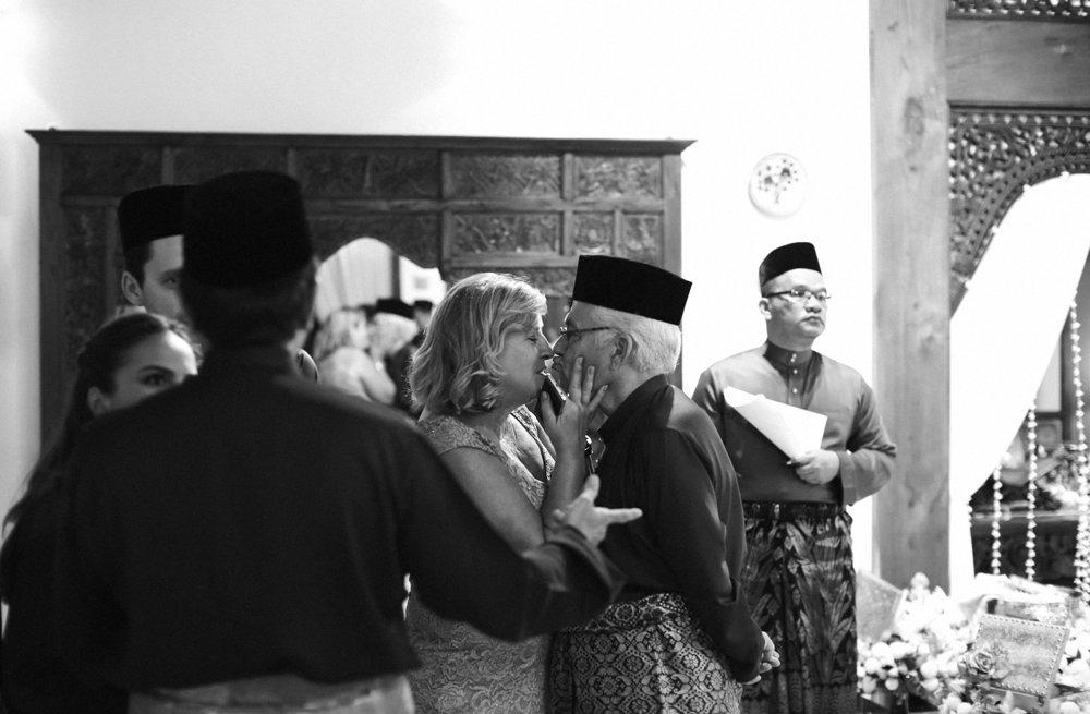 malaysia traditional malay wedding . the akad nikah of putera bruno araujo + puteri elfarezza . photography by kurt ahs ( perhapslifemoments ) . 7220.jpg