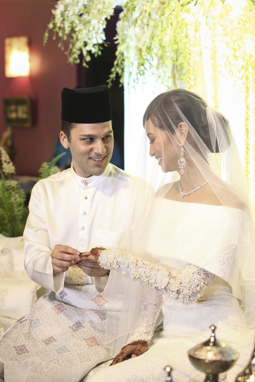 malaysia traditional malay wedding . the akad nikah of putera bruno araujo + puteri elfarezza . photography by kurt ahs ( perhapslifemoments ) . 7202.jpg