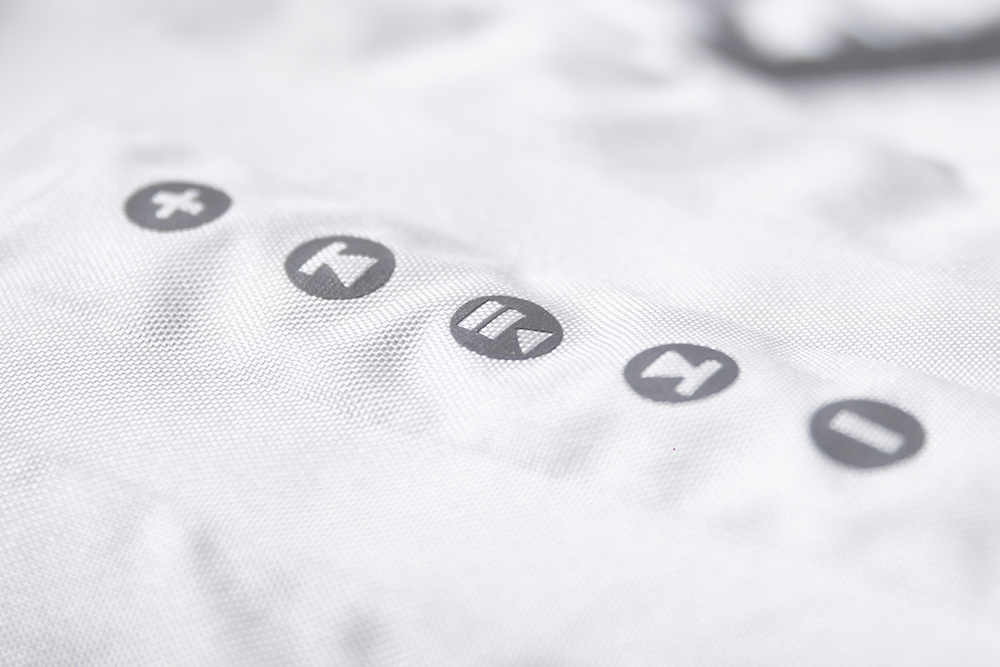 Bluetooth® audio controls integrated on sleeve.