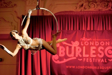 burlesque-london-happy-couple