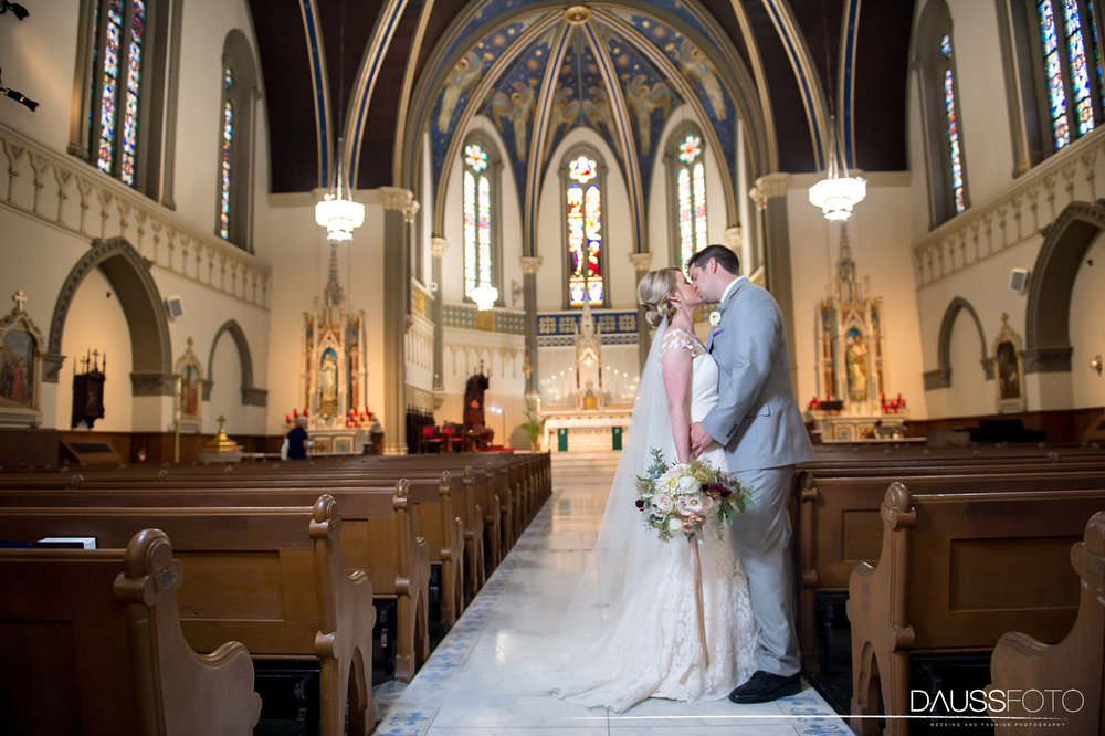 DaussFOTO_20160625_0362_Indiana Wedding Photographer_Crowne Plaza at Historic Union Station.jpg