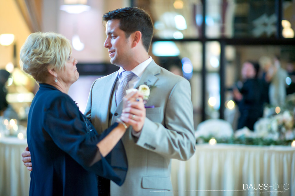 DaussFOTO_20160625_0542_Indiana Wedding Photographer_Crowne Plaza at Historic Union Station.jpg