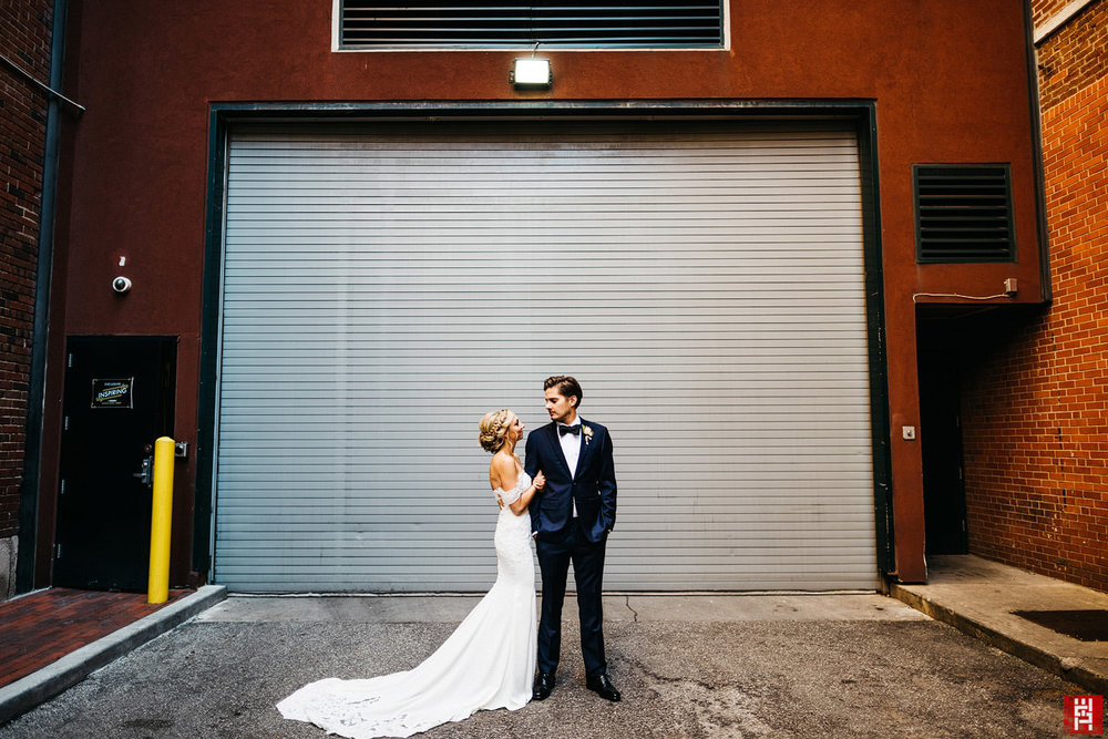 050-24mm-wide-angle-portrait-bride-groom-epic-alley-urban-indianapolis-modern-meghan-phil-bowers.jpg
