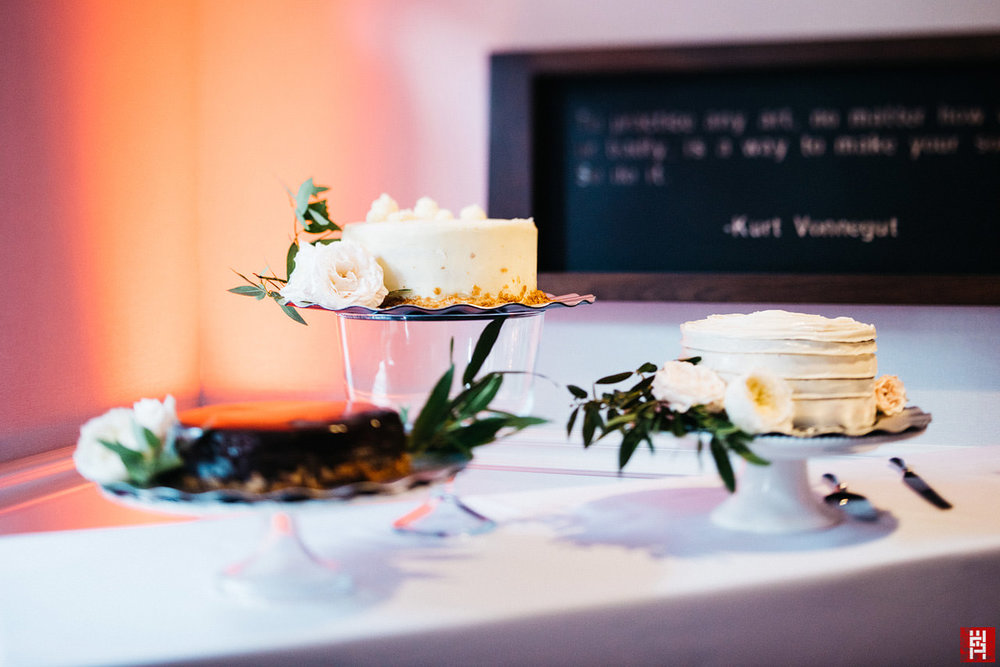 130-wedding-cake-reception-tilt-shift.jpg