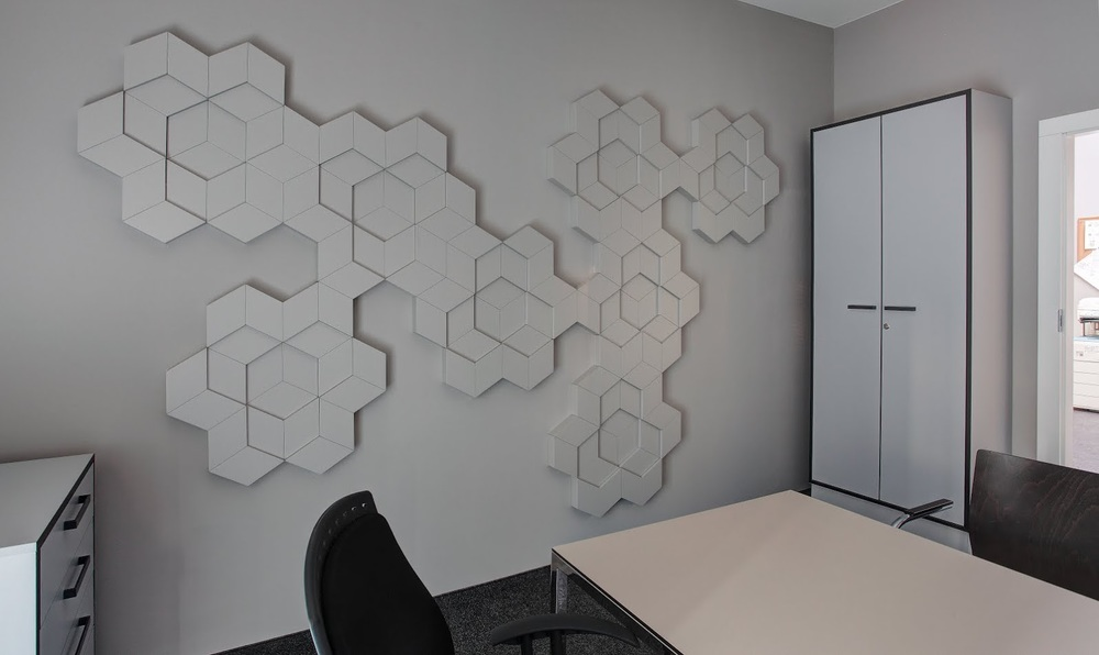 nowoczesna plaskorzezba w biurach.jpg