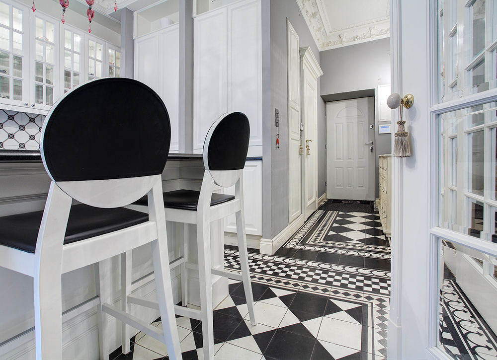 Black_white_kitchen_floor_design.jpg