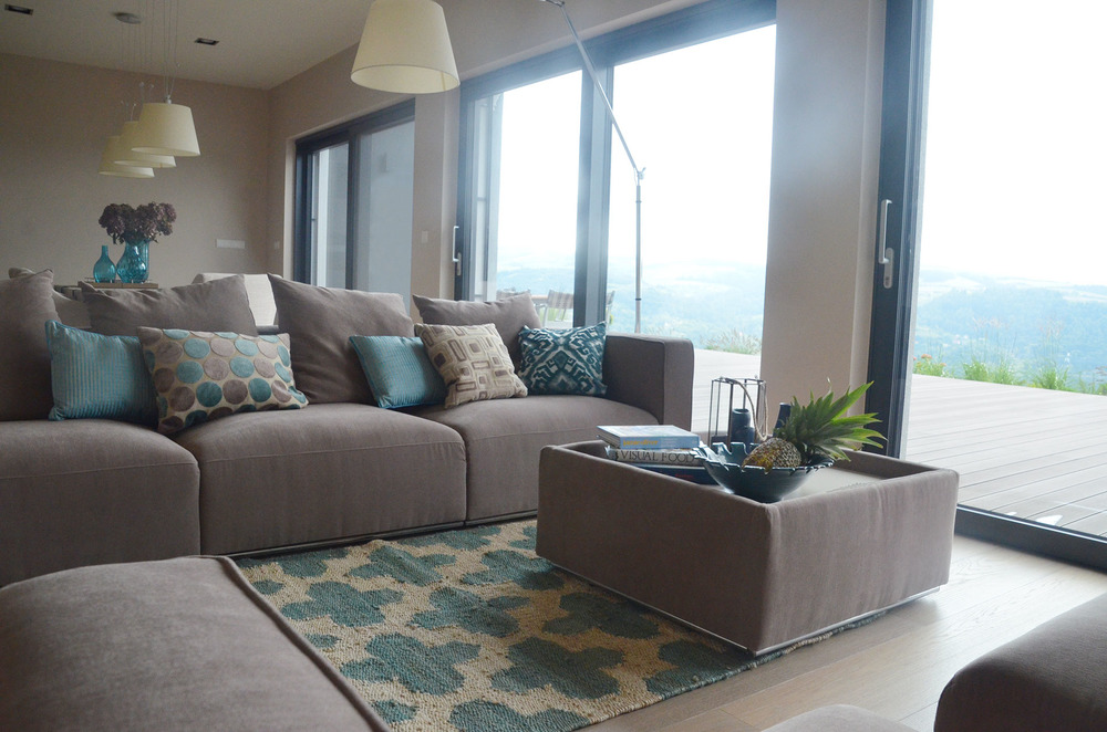 Nowoczesny i modułowy wypoczynek w salonie