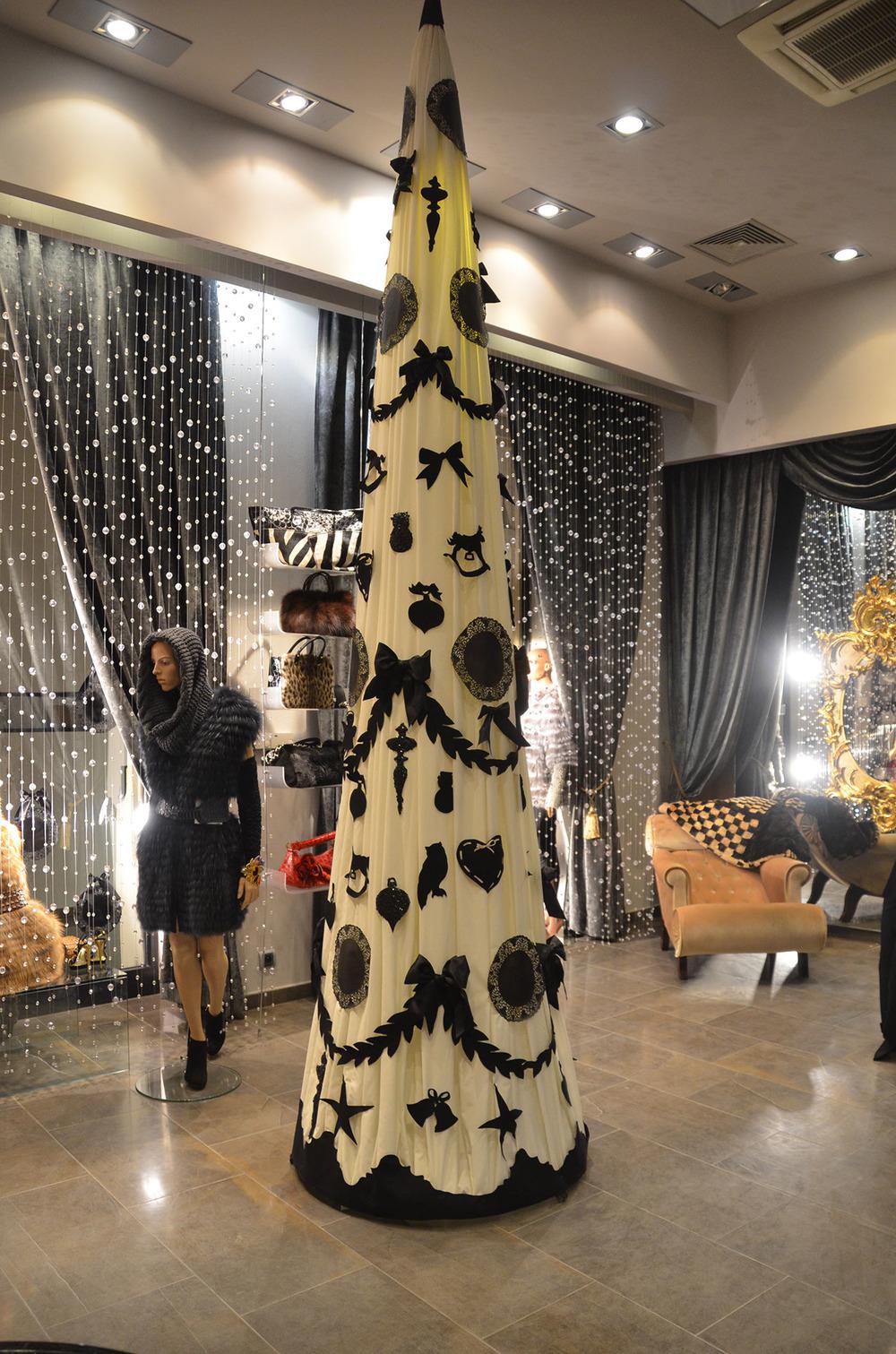 dekoracje_swiateczne_sklepu.jpg