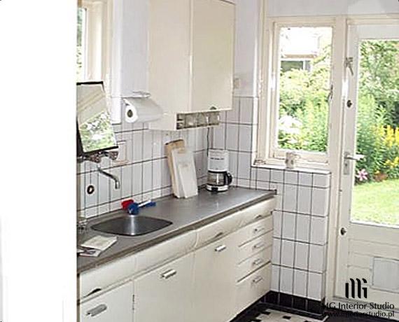 Wnętrze starej kuchni przed remontem