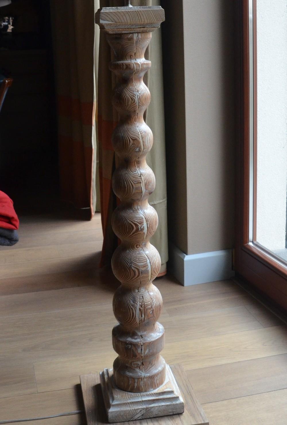 Lampy podłogowe zrobione ze starych tralek balustrad kupionych na allegro