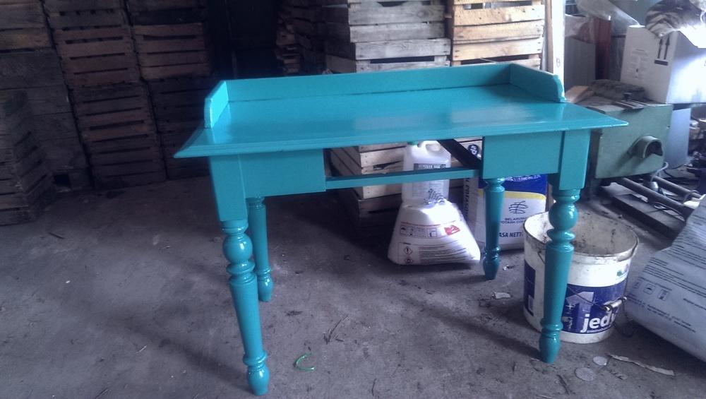 Gotowe, polakierowane biurko