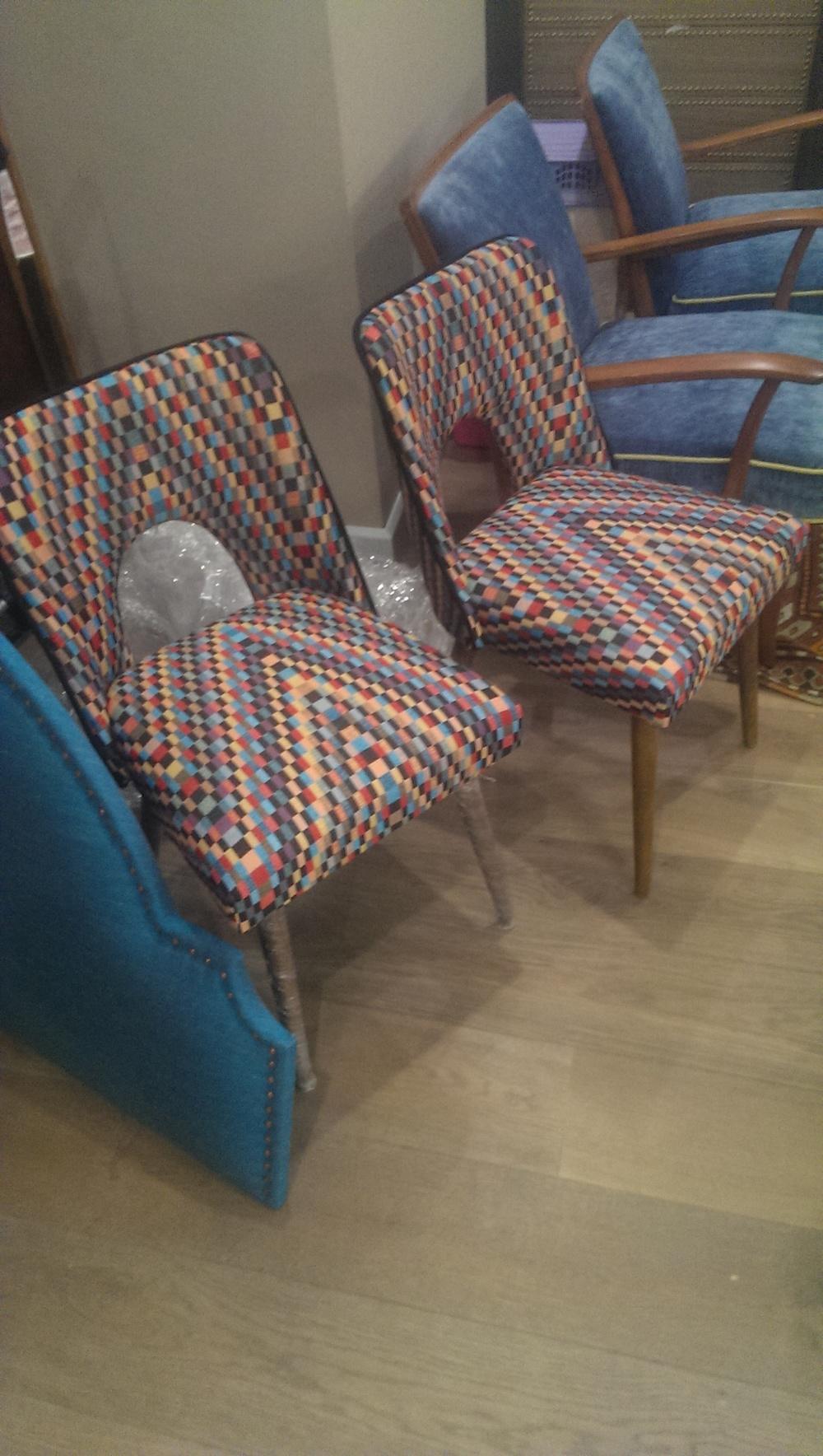 20b Fotele z lat 60 tapicerowane vintage.jpg