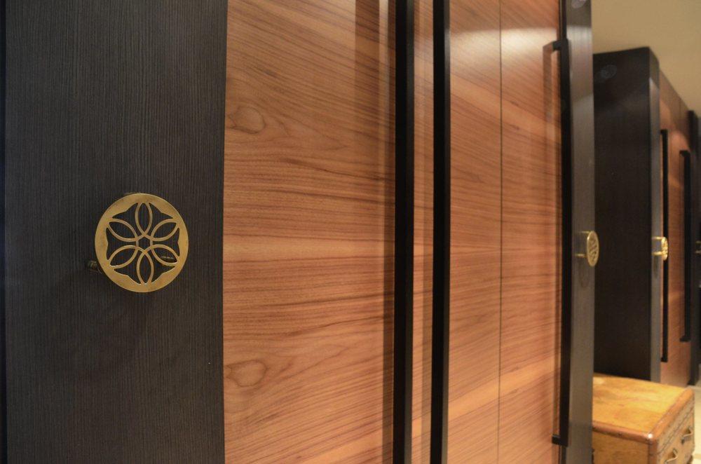 Rozwiązanie długiego korytarza z szafami