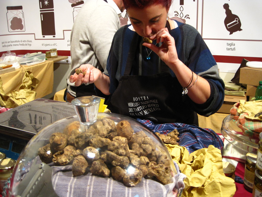 Truffle shopping at San Miniato's annual white truffle festival