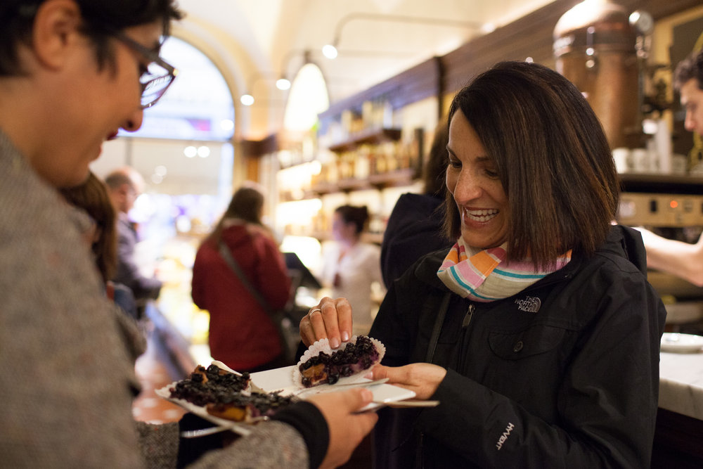 Tasting the grape flatbread, Schiacciata all'uva on our  Food Lover's Tour of Florence   Photo: Silvio Palladino