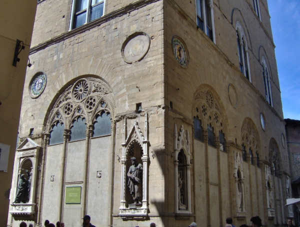 outside Orsanmichele, source: Wikipedia Commons