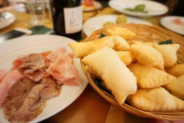 Eater Bologna Polpette e Crescentine.JPG