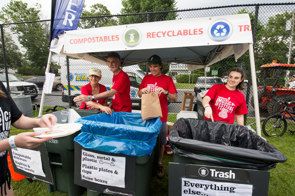 Our Zero Waste crew sorting backstage © 2017 Lynda Shenkman Curtis