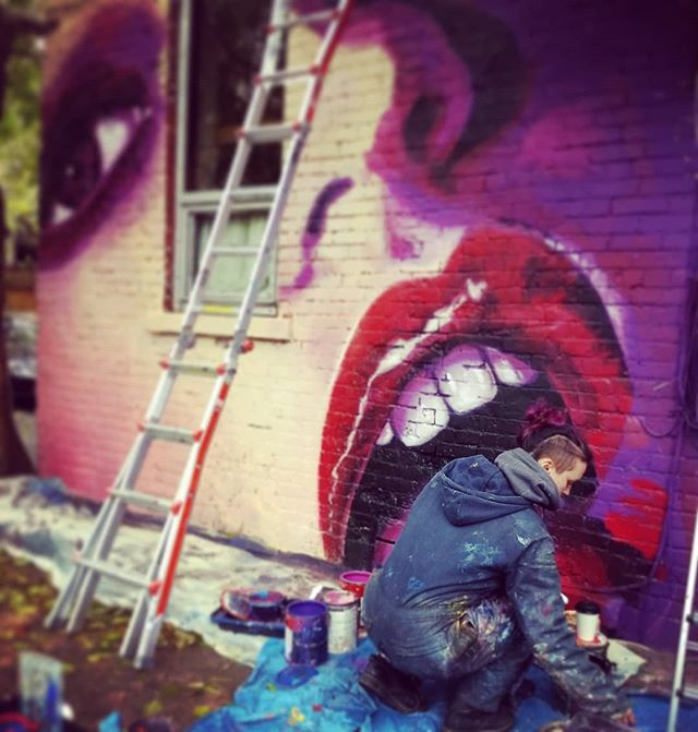 Getting a little last minute mural in for our family at @bbamgallery!!! . . #mural #Atwater #streetart #urbanart #mtlart #mtl #alley #lips #sexytime #Laylaisbeingeaten